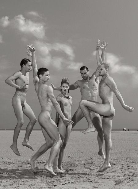 TUSH MAGAZINE: The Naked Dream of Life by Joachim Baldauf