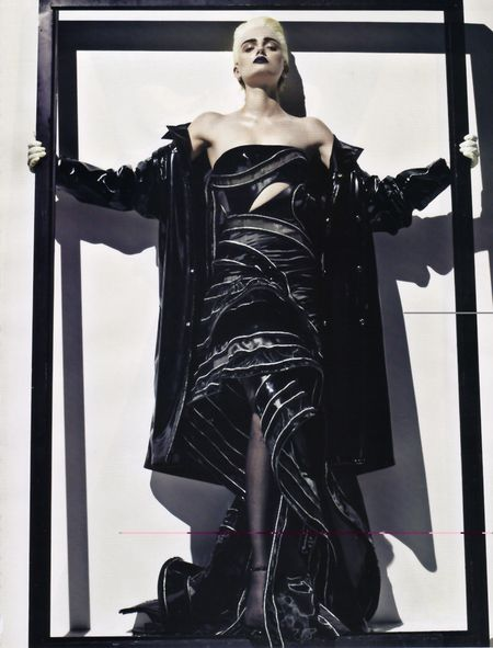 VOGUE PARIS Lily Donaldson in Erotica a Tribute to Alexander McQueen by Steven Klein. Image Amplified www.imageamplified (8)