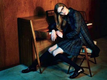 ELLE UK Taryn Davidson in A Single Woman by Matthias Vriens-McGrath. www.imageamplified.com, Image Amplified (1)