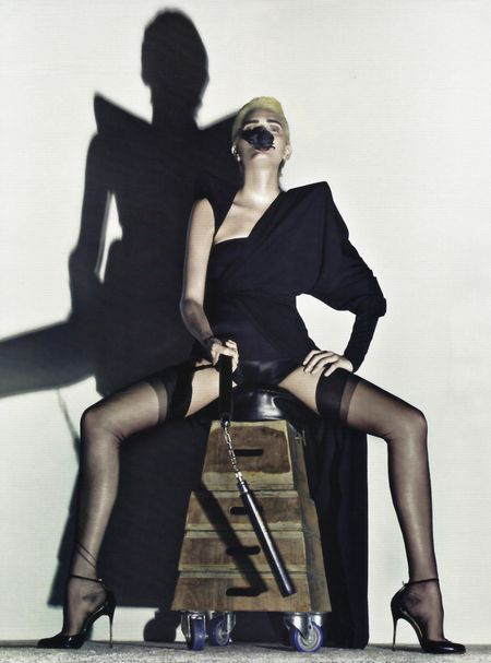 VOGUE PARIS Lily Donaldson in Erotica a Tribute to Alexander McQueen by Steven Klein. Image Amplified www.imageamplified (11)