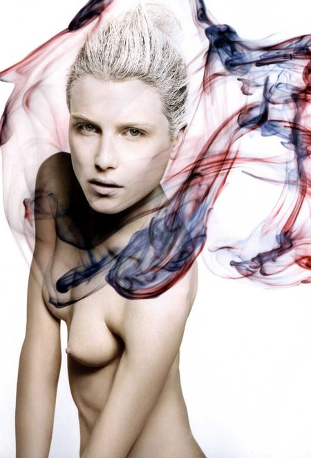 NUMERO MAGAZINE Dree Hemingway in Sang d'Encre (Blood Ink) by Sølve Sundsbø. Image Amplified www.imageamplified (3)