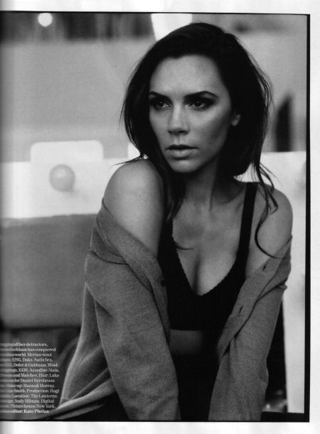 VOGUE UK Victoria Beckam in Queen Victoria by Alasdair McLellan. February 2011, www.imageamplified.com, Image Amplifed (3)