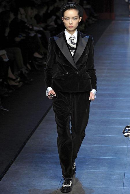 MILAN FASHION WEEK Dolce & Gabbana Fall 2011. www.imageamplified.com, Image Amplified (68)
