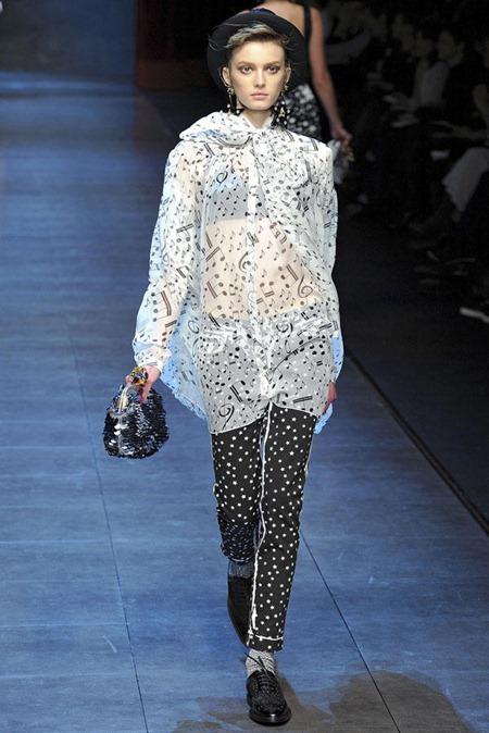 MILAN FASHION WEEK Dolce & Gabbana Fall 2011. www.imageamplified.com, Image Amplified (6)