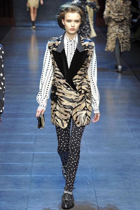 MILAN FASHION WEEK Dolce & Gabbana Fall 2011. www.imageamplified.com, Image Amplified (28)