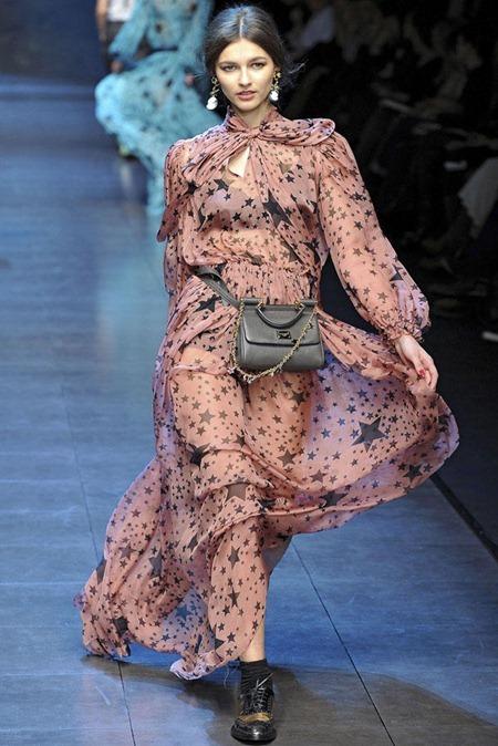 MILAN FASHION WEEK Dolce & Gabbana Fall 2011. www.imageamplified.com, Image Amplified (44)
