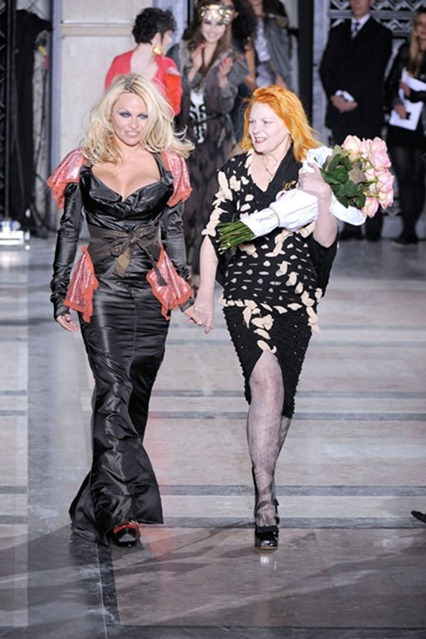 WE ♥ VIVIENNE WESTWOOD Pamela Anderson's 70th Birthday Present to Vivienne Westwood. www.imageamplified.com, Image Amplified (3)