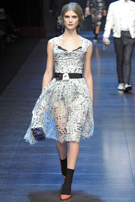 MILAN FASHION WEEK Dolce & Gabbana Fall 2011. www.imageamplified.com, Image Amplified (17)