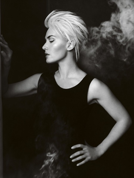 VOGUE UK Kate Winslet in Solo Act by Mario Testino. April 2011, www.imageamplified.com, Image Amplified (6)