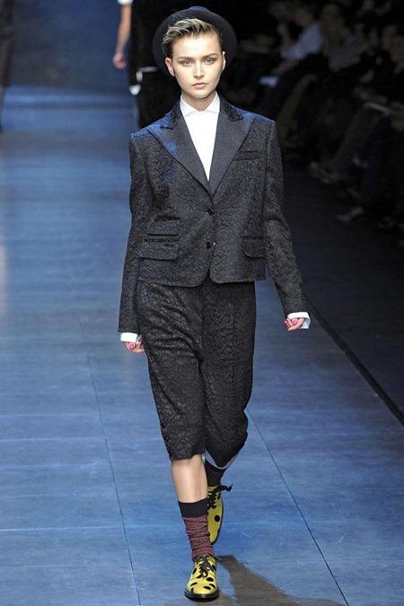 MILAN FASHION WEEK Dolce & Gabbana Fall 2011. www.imageamplified.com, Image Amplified (53)