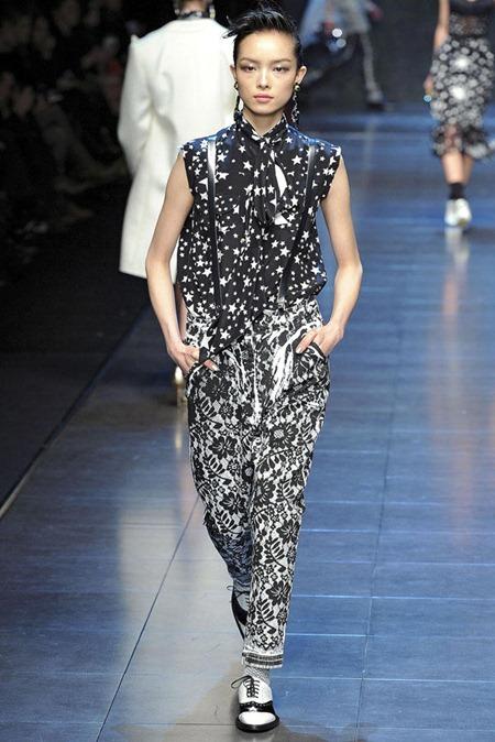 MILAN FASHION WEEK Dolce & Gabbana Fall 2011. www.imageamplified.com, Image Amplified (1)