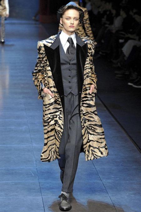 MILAN FASHION WEEK Dolce & Gabbana Fall 2011. www.imageamplified.com, Image Amplified (26)