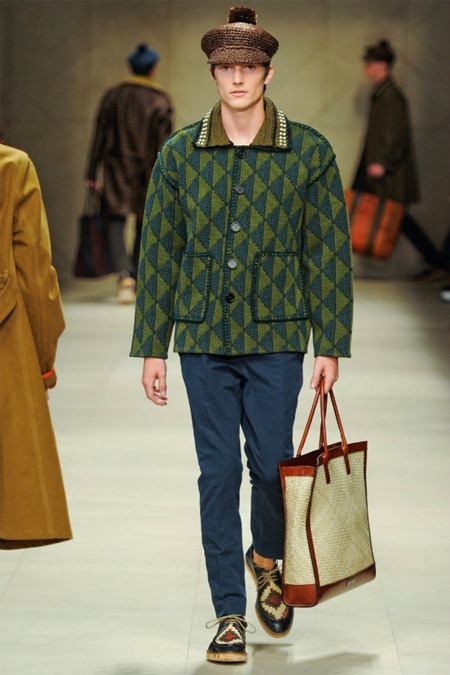 MILAN FASHION WEEK Burberry Prorsum Spring 2012. www.imageamplified.com, Image Amplified (4)