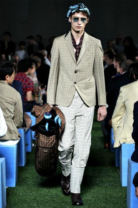 MILAN FASHION WEEK Prada Collection Spring 2012. www.imageamplified.com, Image Amplified (40)