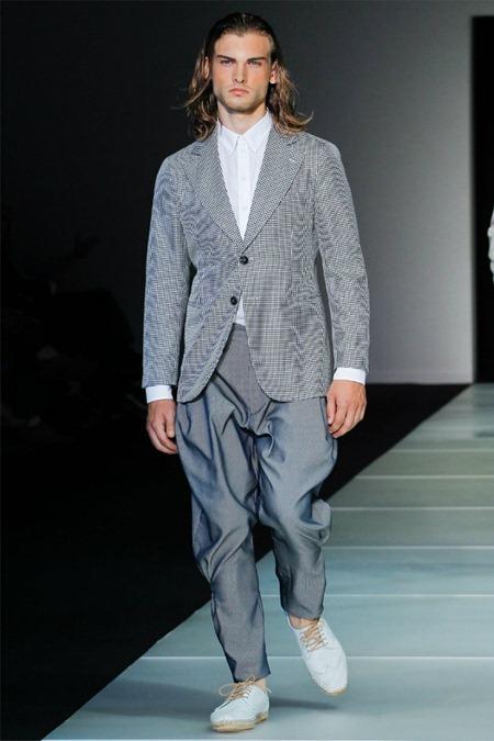 MILAN FASHION WEEK Giorgio Armani Spring 2012. www.imageamplified.com, Image Amplified (12)