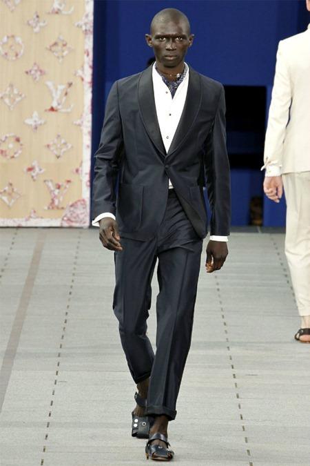 PARIS FASHION WEEK Louis Vuitton Spring 2012. www.imageamplified.com, Image Amplified (5)