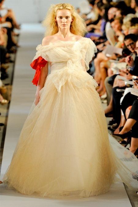 NEW YORK FASHION WEEK Oscar de la Renta, Spring 2012, www.imageamplified.com, Image Amplified (56)