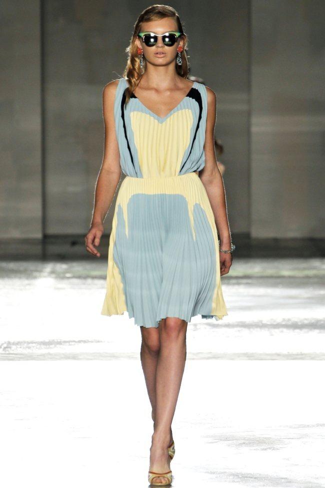 MILAN FASHION WEEK Prada Spring 2012. www.imageamplified.com, Image Amplified (18)