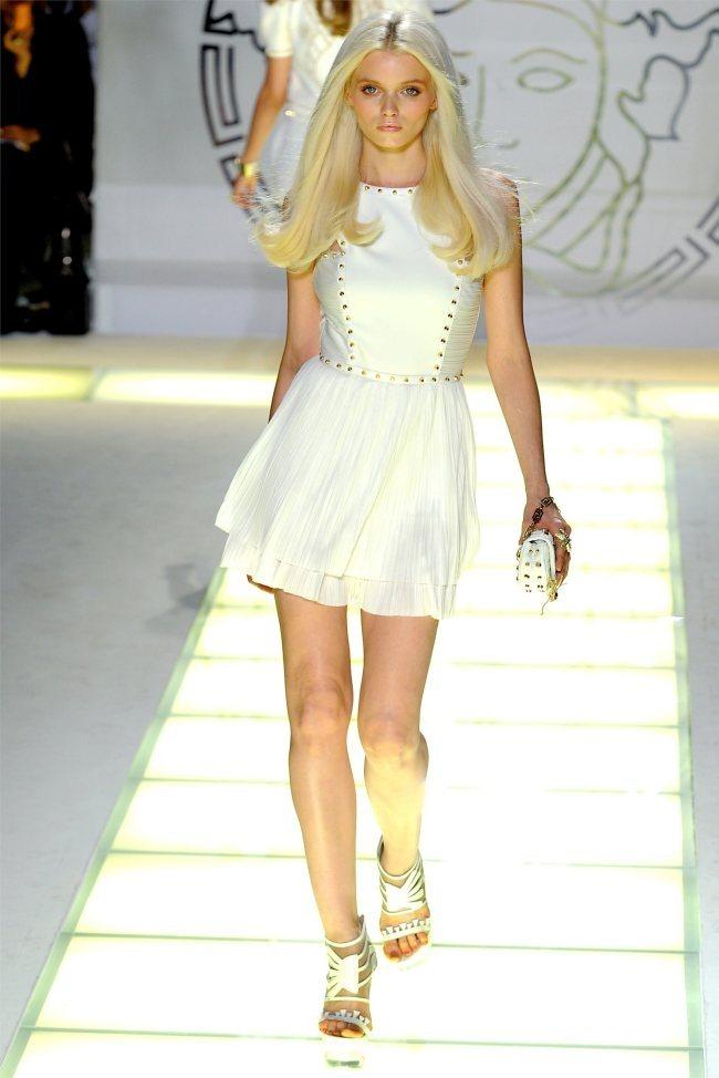 MILAN FASHION WEEK Versace Spring 2012. www.imageamplified.com, Image Amplified (3)