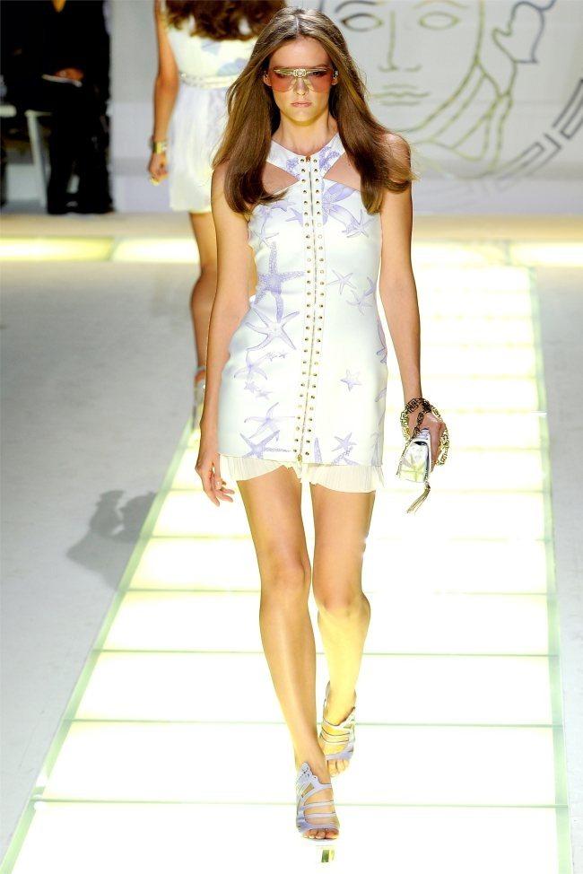 MILAN FASHION WEEK Versace Spring 2012. www.imageamplified.com, Image Amplified (14)