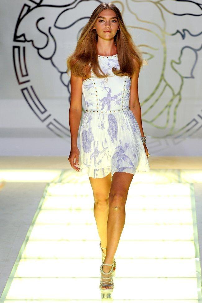 MILAN FASHION WEEK Versace Spring 2012. www.imageamplified.com, Image Amplified (15)