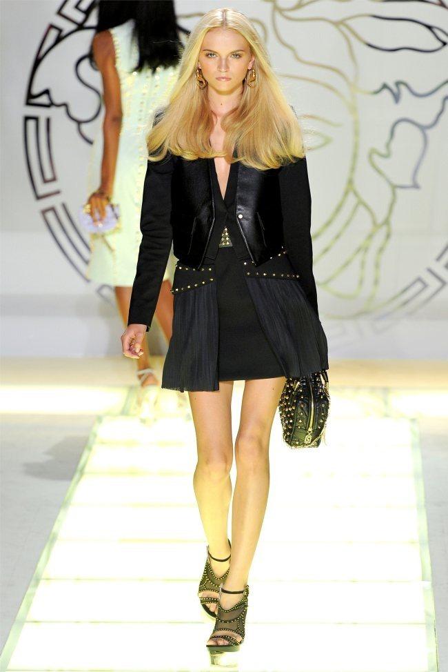 MILAN FASHION WEEK Versace Spring 2012. www.imageamplified.com, Image Amplified (38)