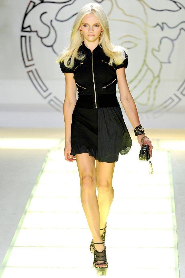 MILAN FASHION WEEK Versace Spring 2012. www.imageamplified.com, Image Amplified (39)