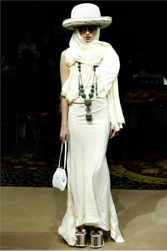 PARIS FASHION WEEK Vivienne Westwood Spring 2012. www.imageamplified.com, Image Amplified (19)