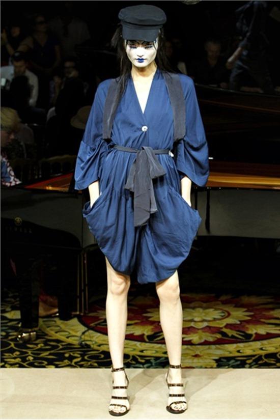 PARIS FASHION WEEK Vivienne Westwood Spring 2012. www.imageamplified.com, Image Amplified (52)
