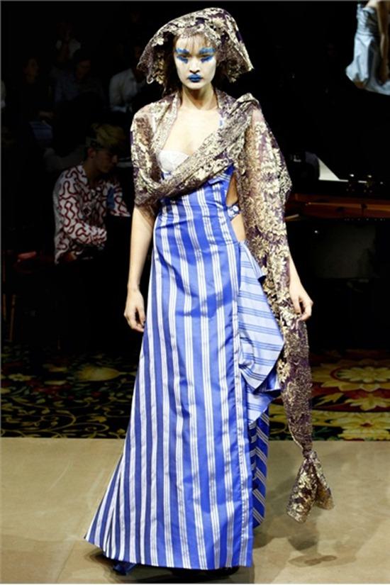 PARIS FASHION WEEK Vivienne Westwood Spring 2012. www.imageamplified.com, Image Amplified (4)
