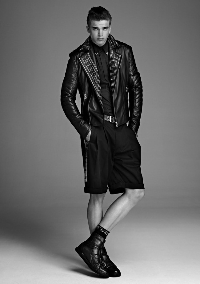 PREVIEW River Viiperi in Versace for H&M Fall 2011. www.imageampilfied.com, Image Amplified (6)