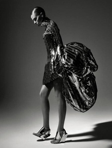 VOGUE RUSSIA Maryna Linchuk by Patrick Demarchelier. May 2011, www.imageamplified.com, Image Amplified (6)
