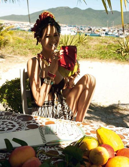 ELLE ITALIA Flavia de Oliveira in Sabor Tropical by Marcelo Krasilcic. Eva Gerladine Fontanelli, June 2011, www.imageamplified.com, Image Amplified (13)