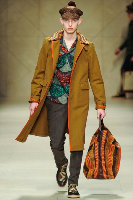 MILAN FASHION WEEK Burberry Prorsum Spring 2012. www.imageamplified.com, Image Amplified (3)