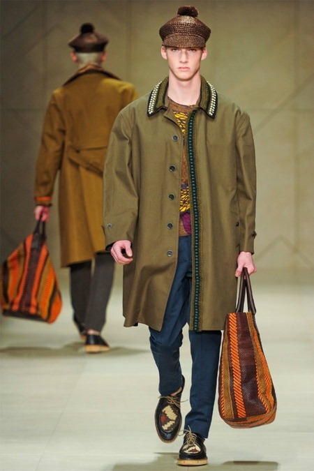 MILAN FASHION WEEK Burberry Prorsum Spring 2012. www.imageamplified.com, Image Amplified (5)