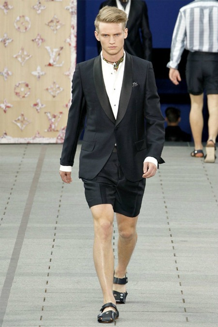 PARIS FASHION WEEK Louis Vuitton Spring 2012. www.imageamplified.com, Image Amplified (4)