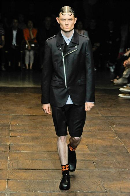PARIS FASHION WEEK Comme des Garçons Spring 2012. www.imageamplified.com, Image Amplified (34)