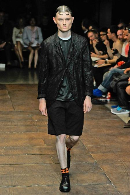 PARIS FASHION WEEK Comme des Garçons Spring 2012. www.imageamplified.com, Image Amplified (2)