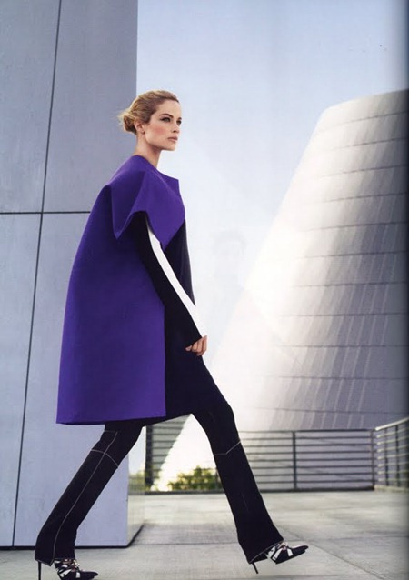 HARPER'S BAZAAR MAGAZINE Carolyn Murphy in The New Shapes by Tom Munro. August 2011, www.imageamplified.com, Image Amplified (5)