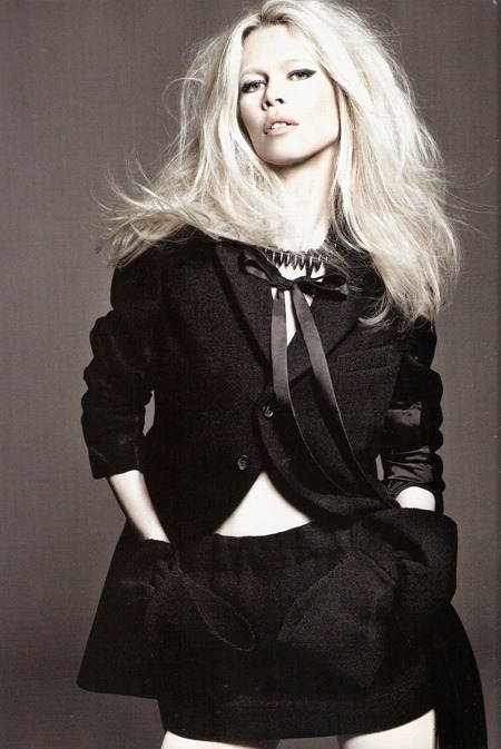 VOGUE SPAIN Claudia Schiffer in Claudia by Tom Munro. Belen Antolin, September 2011, www.imageamplified.com, Image Amplified (7)