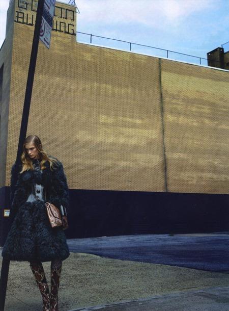 WONDERLAND MAGAZINE Ilse de Boer in The Skin We Live In by Kai Z. Feng. Anthony Unwin, www.imageamplified.com, Image Amplified (4)