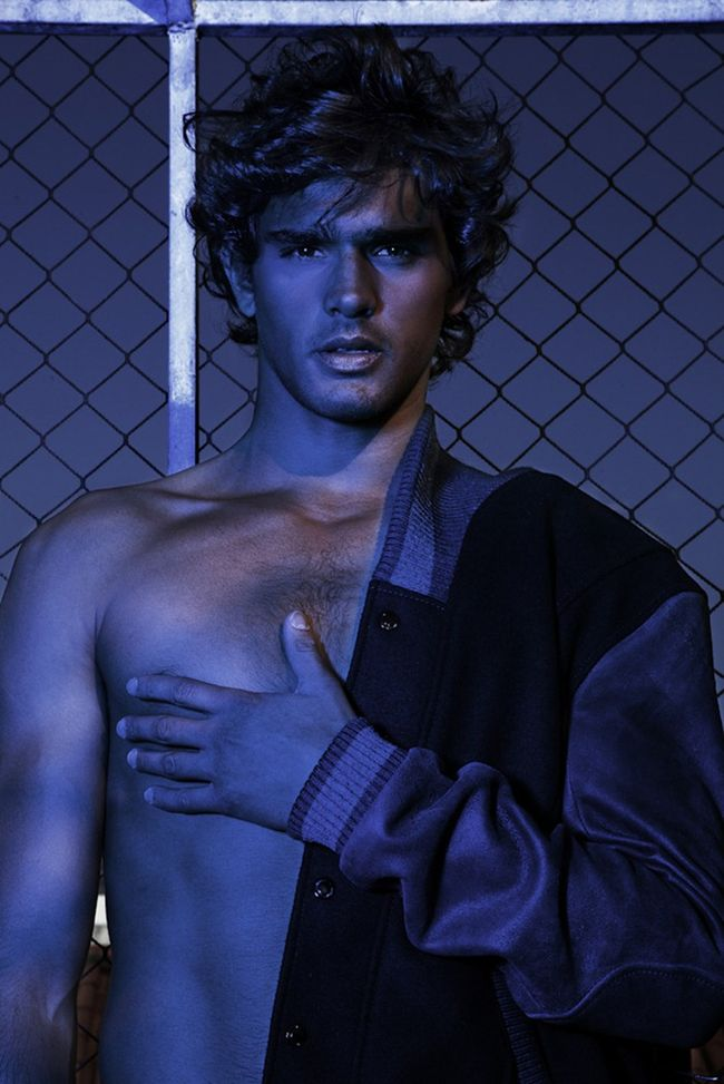 CAMPAIGN Marlon Teixeira for Men in Fight (To End) Breast Cancer by Fernando Mazza. Mauricio Mariano, Alessandro Lazaro, www.imageamplified.com, Image Amplified (2)