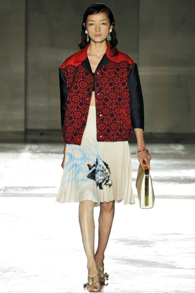 MILAN FASHION WEEK Prada Spring 2012. www.imageamplified.com, Image Amplified (8)