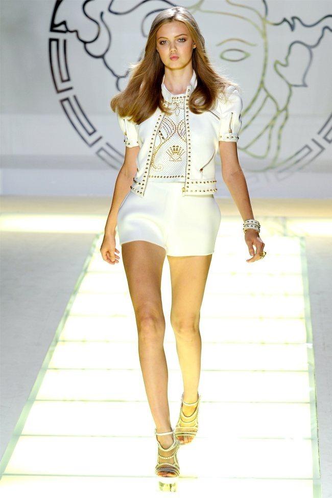 MILAN FASHION WEEK Versace Spring 2012. www.imageamplified.com, Image Amplified (1)