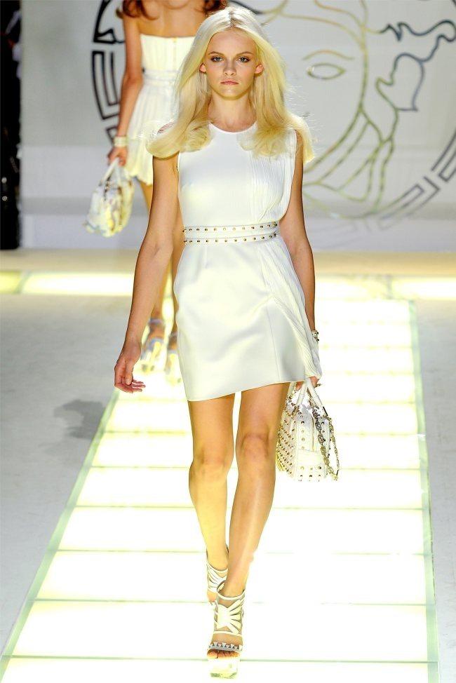 MILAN FASHION WEEK Versace Spring 2012. www.imageamplified.com, Image Amplified (9)
