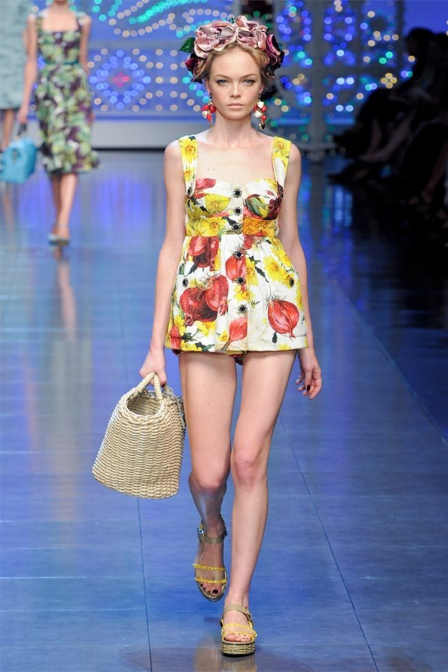 MILAN FASHION WEEK Dolce & Gabbana Spring 2012. www.imageamplified.com, Image Amplified (13)