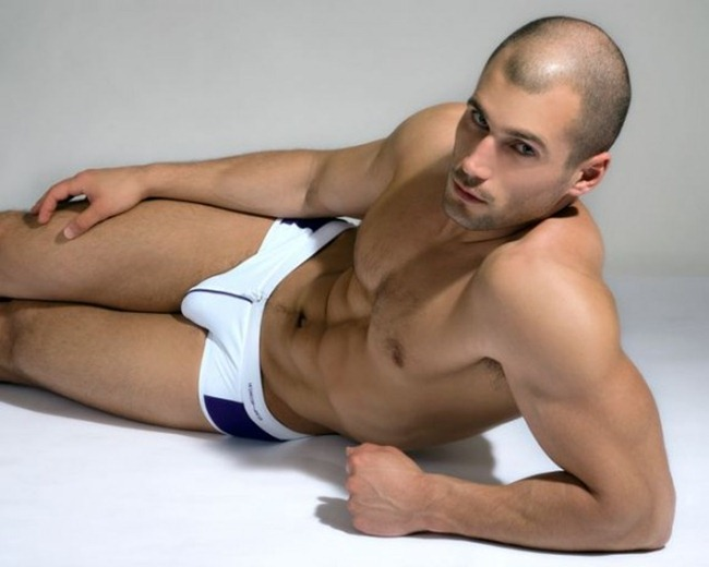CAMPAIGN Todd Sanfield for Iquoniq Sensual Sport 2011 by Thomas Synnamon. www.imageamplified.com, Image Amplified (7)