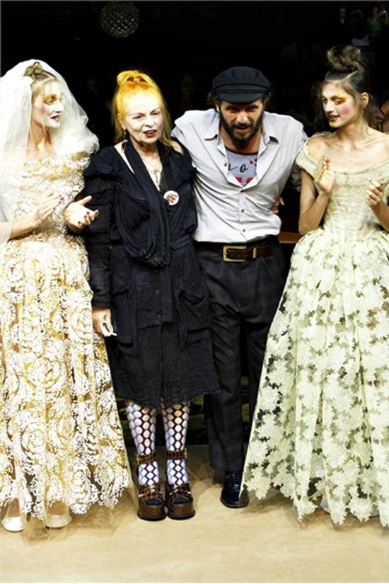 PARIS FASHION WEEK Vivienne Westwood Spring 2012. www.imageamplified.com, Image Amplified (3)