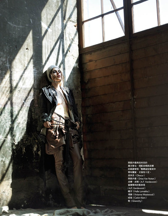 VOGUE TAIWAN Sophie Vlaming in Dark Angel by Ceen Wahren. October 2011, Emma Thorstrand, www.imageamplified.com, Image Amplified (1)