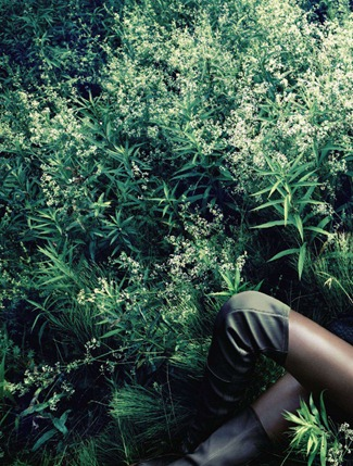 VOGUE JAPAN- Joan Smalls in Forgiving Wilderness by Solve Sundsbo. George Cortina, December 2011, www.imageamplified.com, Image Amplified9